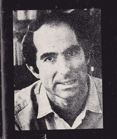 Rothin kuva minun kopiostani Portnoyta. Hampaat paljastettuna.